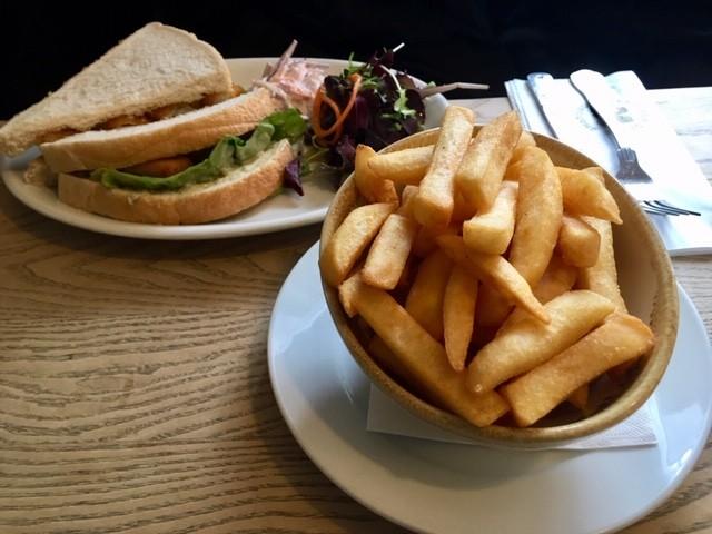 Chips and fish finger sandwich, Fleur de Lys, East Hagbourne