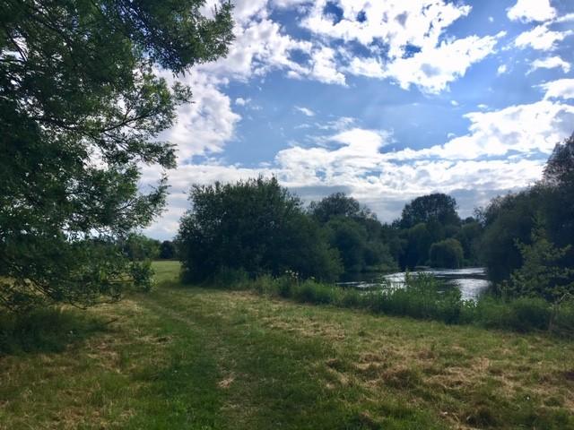 Path from Culham bridge to Sutton Courtenay