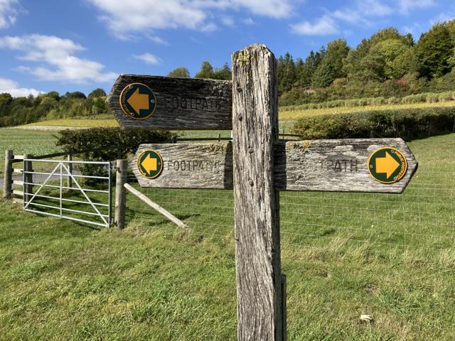 Footpath sign near Starveall Farm