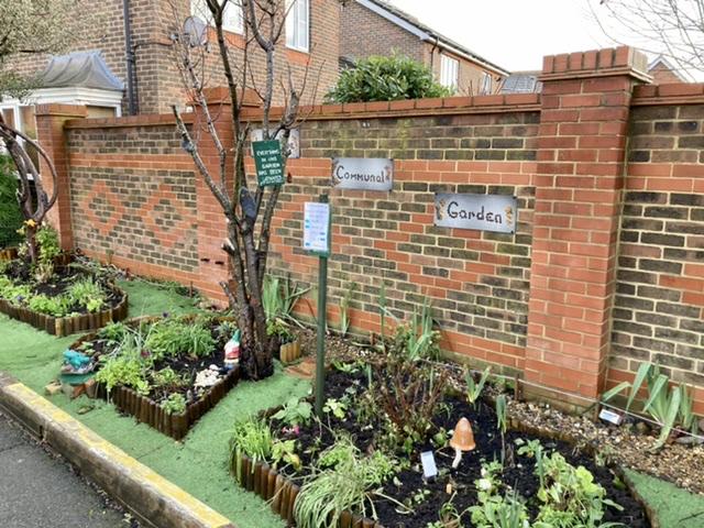 Avon Way communal garden, Didcot