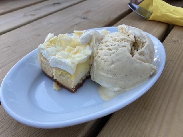 Lemon cheesecake, Bear Inn, North Moreton