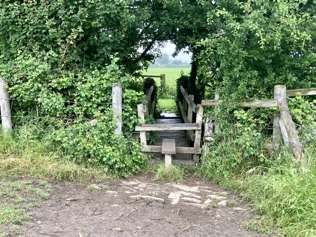 Blewbury stile and bridge