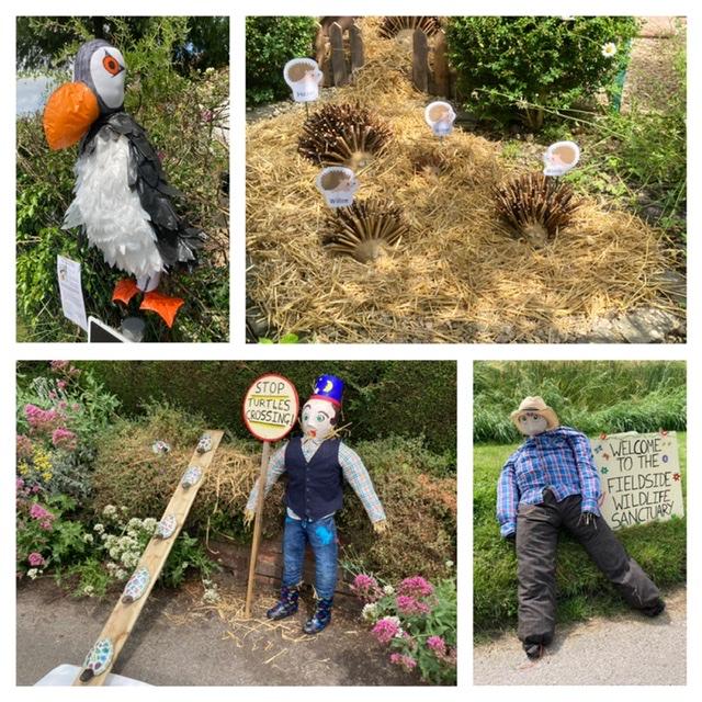 Fieldside scarecrows, East Hagbourne