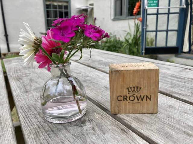 Outside tables, The Crown at South Moreton